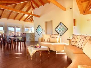 Luxury Villa resort in Athens/Vari, With priv Pool