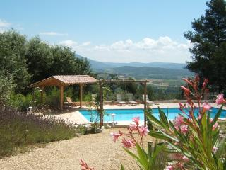 Luberon, Room breakfast, terrace, pool, great view