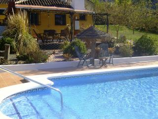Walnut Farm, Casa Marguerita, sleeps 5, stunning large heated pool WIFI, BBQ etc