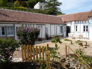Stunning 3 bedroomCottage  with private Garden, Honfleur