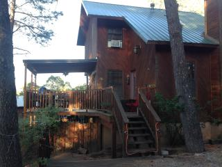 DreamCatcher Cabin to relax and enjoy!!
