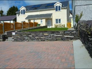 Beautiful BRAND NEW HOUSE at Talysarn in Snowdonia, Penygroes
