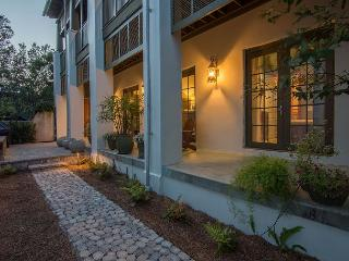 Villa Rose  very best of southern living in Rosemary Beach! (Upg