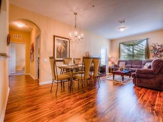 Comfort and style are plentiful in this 3BR\2BA condo