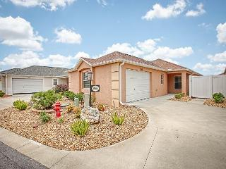 Complimentary golf cart. Great location, mins from Brownwood., The Villages
