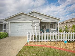 Great location patio villa with complimentary gas golf cart., The Villages