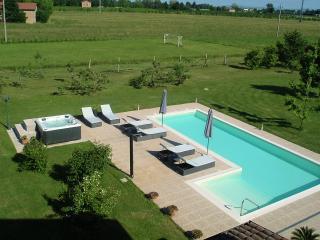 Casa delle noci, Modena