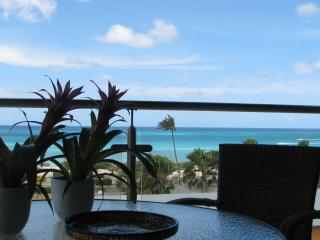 AMAZING OCEAN VIEW TOP FLOOR CONDO, Palm - Eagle Beach