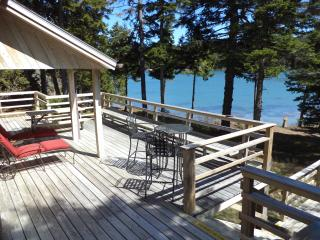 Maine Oceanfront Vacation Rental - Sleeps 17!, Swans Island