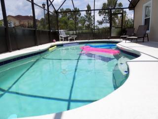 Oleander Villa - Luxury 4 Bedroom Villa, 2.5 miles from Champions Gate.