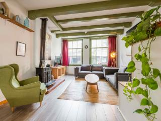2 bedroom City Centre Residence with terrace, Ámsterdam