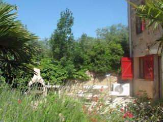 Cruzy cottages in South France with pools sleeps 8 (Ref: 1109)