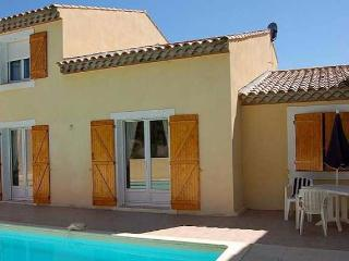 Poilhes villas in Languedoc with pool on Canal du Midi (Ref: 1113)