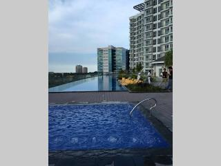 Mactan Newtown Executive Fully Furnished w/ pool, Lapu Lapu