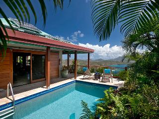 Mooncottage: Most Romantic St. John Petite Luxury Villa in peaceful Coral Bay