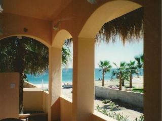 Ocean View patio, 20-steps to beach