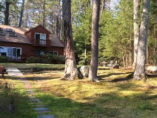 Lake Winnipesaukee Waterfront Home (KEE43Wf)