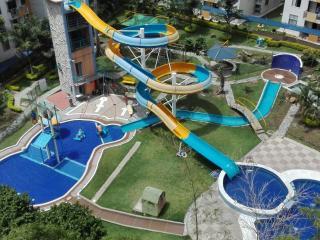 Apartamento amoblado, 4 piscinas, parque acuatico, Ibague