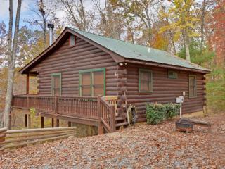 Perfect romantic getaway with hot tub and view, Ellijay