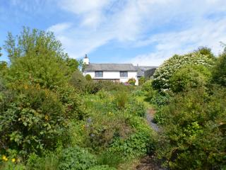 Cosy farmouse with stunning views, Machynlleth