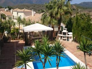 Detached villa with private pool in golf resort, Alhaurin el Grande