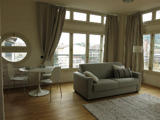 - Lucia - Appartamento monolocale, Lecco