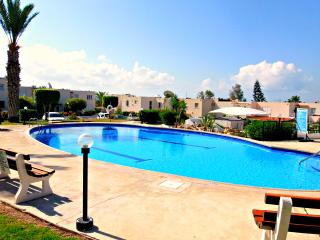Coral Bay - 1 Bed Apartment Prime Tourist Location, Paphos