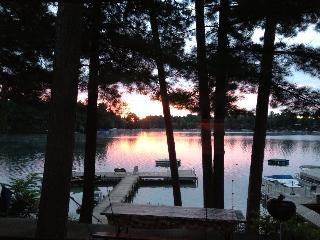 Cabin Retreat on Waupaca's Chain O'Lakes #1