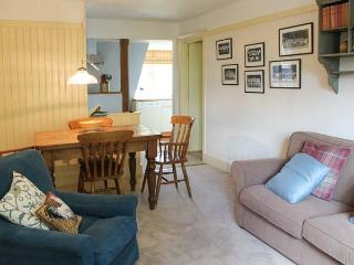 KESTREL LODGE, family friendly, luxury holiday cottage, with a garden in East