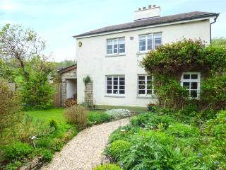 THE LATCHES detached, character cottage, en-suite, woodburner in Torbryan, Ipplepen Ref 935512