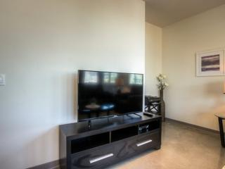 SPACIOUS AND BEAUTIFUL FURNISHED 3 BEDROOM 2 BATHROOM APARTMENT, Glendale