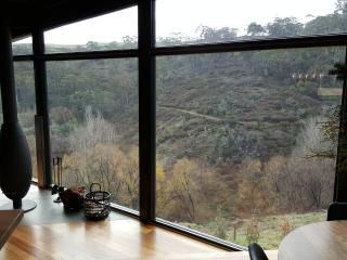 CLIFFTOP at HEPBURN - EVOKE - Won No.1 in Australia from 40,000 holiday homes, Daylesford