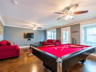 Huge New Construction, 4bd/3ba, Pool Table, Nashville
