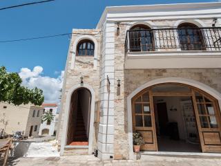 Castello Domus-Crete Residences