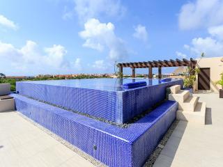Villas Las Palmas Luxury Condo 301, Puerto Aventuras