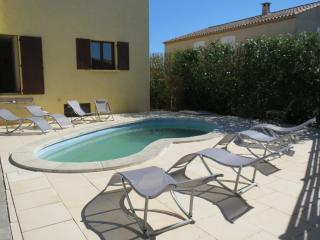 Spacious villa in quiet location with private pool and garden in Languedoc