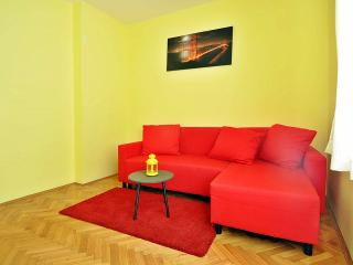 CHARMING FAMILY APARTMENT 2, Premantura