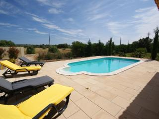 4 Bedroom Vila with Private swimming pool, Lagoa