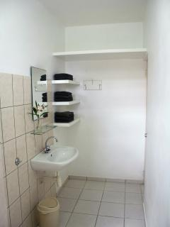 All studios have a spacious bathroom with hot and cold running water and towels are included.
