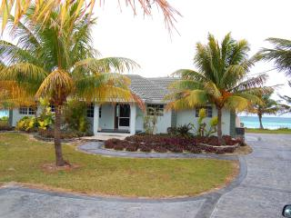 Oceanfront Home, Truck with 15' Boat Included!, Grand Bahama Island