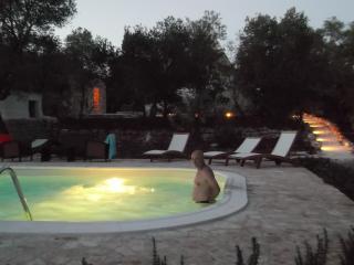 Trullo ODELIA avec piscine a l'eau salee