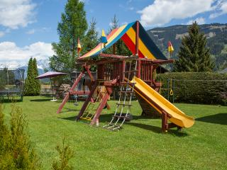 Spacious, family-friendly home minutes from lake, Zell am See