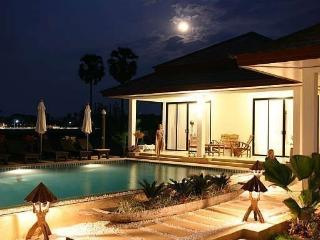 5*  vacation Villa built for large family 20 beds,, Bang Tao Beach