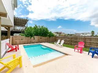 Shamrock by the Sea: Boardwalk to Beach, PRIVATE POOL, Ocean Breezes, Port Aransas