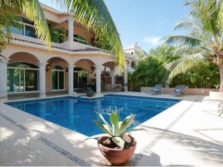 Charming Mexican Colonial 5 Bdrm Villa With Pool, Puerto Aventuras