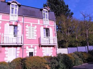 Logement 2pièces avec terrasse 200m plage Les muguets 2eme etage