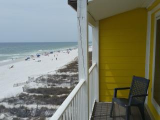 Sticks in the Sand 3AB Oceanfront Towhome Sleeps 6-14