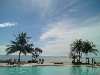 Amazing Beachfront Resort Studio 04