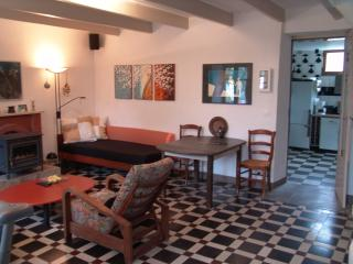 Authentical breton livingroom. one of the sofa's can serve as a bed for an optional 5th guesst.