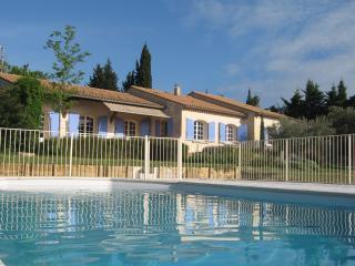 Villa provençale, campagne, calme (8 personnes)